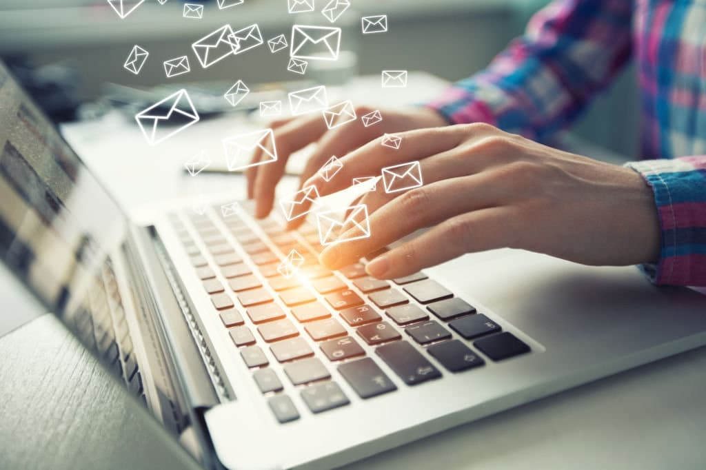 impacto do email com menos personalização